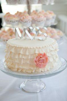 Vintage Wedding Cakes , Wedding Cakes Photos by Desserts by Lori - Image 2 of 10 - WeddingWire Wedding Cake Photos, Cool Wedding Cakes, Wedding Desserts, White Dessert Tables, White Desserts, Wedding Cakes With Cupcakes, Wedding Cake Toppers, Mini Cakes, Cupcake Cakes