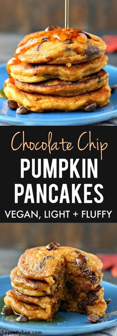 Chip Pumpkin Pancakes Perfectly light and fluffy vegan pumpkin chocolate chip pancakes are a delicious fall breakfast!Perfectly light and fluffy vegan pumpkin chocolate chip pancakes are a delicious fall breakfast! Vegan Sweets, Vegan Desserts, Dessert Recipes, Snack Recipes, Chocolate Chip Pancakes, Pumpkin Chocolate Chips, Vegan Chocolate, Pancakes Végétaliens, Vegan Pumpkin Pancakes