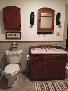 Primitive bathrooms 784893041297285294 - Transitional decor country primitive bathroom pr Source by Country Primitive, Primitive Country Bathrooms, Primitive Bathroom Decor, Country Style Bathrooms, Primitive Living Room, Diy Bathroom Decor, Bathroom Styling, Downstairs Bathroom, Primitive Decor