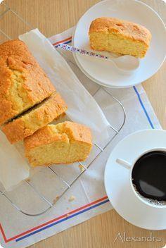 """""""Αέρινο"""" κέικ με άρωμα λεμόνι ή βανίλια (Μαγειρεύοντας με την Αλεξάνδρα)"""