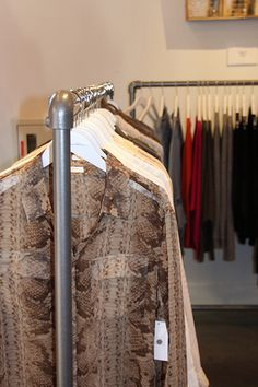 Simple Rack Clothing Racks in Las Vegas Clothing Boutique – Top Trend – Decor – Life Style Home Insulation, Insulation Materials, Clothing Racks, Boutique Clothing, Boutique Design, Boutique Ideas, New Shop, Trade Show
