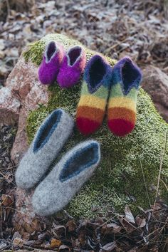 Tovade tofflor Knitting Designs, Knitting Patterns, Knit Crochet, Gloves, Slippers, Socks, Crafty, Long Hair Styles, My Style