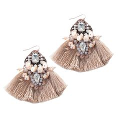 ELEVATE YOUR STATEMENT EAR GAME WITH THIS ROSE GOLD JEWEL EARRING. PERFECTLY PAIRED WITH A DENIM JACKET.