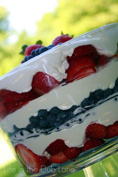 Life in the Dub Lane: Mama Dubs Strawberry Cream 4th of July Dessert
