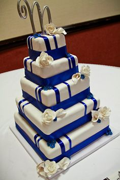 Royal Blue and White Wedding Cake- Photo by 2Q Studios