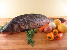 Crap la cuptor - cu lămâie şi usturoi | Epoch Times România Crap, Fish, Pisces