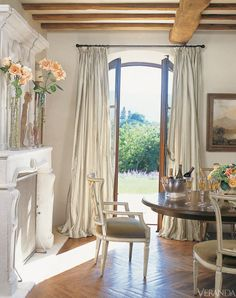 60 Lasting French Country Dining Room Decor Ideas February Leave a Comment French country style is charming, elegant and rather budget-savvy because you can use flea market finds here. French Country Dining Room, French Farmhouse Decor, French Country Cottage, French Country Style, French Country Decorating, French Country Curtains, Country Casual, Farmhouse Style, French Curtains