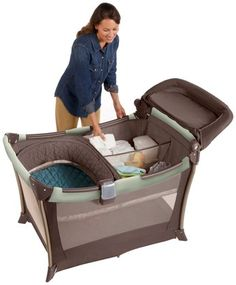 Graco Pack n Play On The Go Travel Playard with Playard Netting