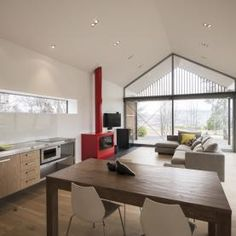 Image 1 of 16 from gallery of Wakatipu Guest House / Team Green Architects. Photograph by Sam Hartnett Architect House, Architect Design, Sustainable Architecture, Interior Architecture, Passive House Design, Relaxing Places, House Goals, Luxury Living, Green