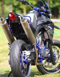 Yamaha Xt 660, Motos Yamaha, Yamaha Bikes, Blue Motorcycle, Futuristic Motorcycle, Moto Bike, Super Bikes, Motocross Bikes, Cafe Racer Build