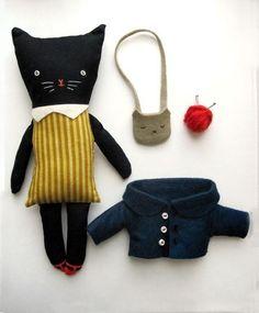 felt kitty with clothes