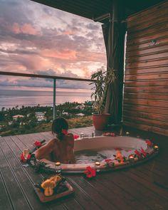 Waking Up in Outrigger Beach Resort, Fiji | Away Lands