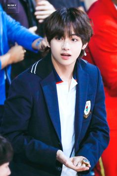 """You say that you are a ARMY but you like Tae Tae less because of his hair<Hmmm these """"fans"""" need to open their eyes because he looks drop dead handsome with his mullet. Like a prince! Jungkook Jeon, Jimin, Kim Namjoon, Kim Taehyung, Bts Bangtan Boy, Daegu, Taekook, Seokjin, Jung Hoseok"""
