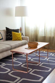 Sleek and Stylish DIY Coffee Tables – Decorating Your Small Space