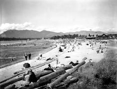Kitsilano Beach, 1928 City of Vancouver Archives Vancouver Beach, Vancouver Bc Canada, Vancouver Island, Old Photos, Vintage Photos, West Coast Canada, Canadian History, Most Beautiful Cities