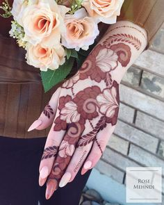 Henna Artist Adorn your hands with latest mehendi designs that can be perfectly curated by Mehndi Artist in Jaipur to make your mehendi ceremony unforgettable. Khafif Mehndi Design, Rose Mehndi Designs, Latest Bridal Mehndi Designs, Mehndi Design Pictures, Mehndi Designs For Girls, Henna Designs Easy, Wedding Mehndi Designs, Latest Mehndi Designs, Mehndi Images