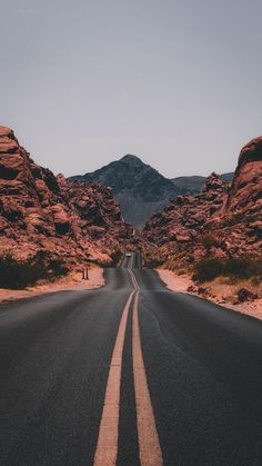 """The post """"Road trips are the true adventure. Get tips for US & Canada routes and wildcamping spots in Europe at PASSENGER X. Valley of Fire State Park, USA photo by Jake Blucker"""" appeared first on Pink Unicorn Bilder Aesthetic Backgrounds, Aesthetic Iphone Wallpaper, Aesthetic Wallpapers, Valley Of Fire State Park, Valley Road, Valley View, Wild Campen, Nature Photography, Travel Photography"""