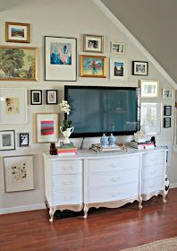 Burlap & Lace: DIY TV Gallery Wall