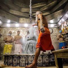 ॐ पार्वतीपतये नमः 🙏 #Mahakal #shiva #lordshiva #bholenath #ShivShankara #shankar #bolenath #shivshankar #mahadev #Shivlinga #shivling #shivshambhu #shivbhakti #Namah #shivtandav #shivshakti #shambu #shivshambhu #shivbhakti #HinduTemple #tandav #Om #shivtandav #jaishivshankar #BhaktiSarovar Mahakal Shiva, Lord Shiva, Shiv Tandav, Hindu Temple, Ganesh, Instagram Story, Om, Shiva, Ganesha