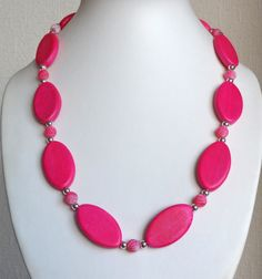Pink leaves & agate necklace