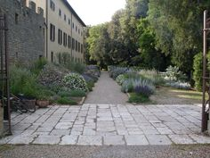 Tuscan grounds. Location from The Lake Como Wedding Planner #lakecomo #wedding #weddingplanner