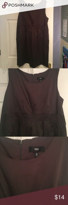 EUC Mossimo olive green women's dress sz 18 Adorable and perfect for work and or a night out women's dress from Mossimo! Olive green with a flattering band in the low chest of dress. Worn a couple of times, size 18. mossimo Dresses