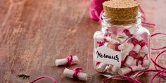 How to Create a Memory Jar! This is an amazing way to capture the best moments throughout the year! Best Friend Gifts, Gifts For Friends, Glass Jars, Mason Jars, Happy Jar, Valentine Day Gifts, Valentines, Having A Bad Day, Jar Gifts