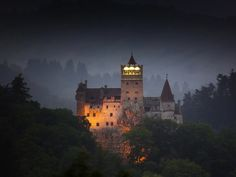 We know it as the Castle of Dracula, but it actually goes by the name of Bran Castle. In the heart of Transylvania in Romania, it is the setting for Bram Stoker's Dracula Transylvania Romania, Hotel Transylvania, Transylvania Dracula, Scary Places, Places To See, Bran Castle Romania, Places Around The World, Around The Worlds, Carpathian Forest