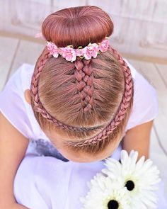 I love how this one looks !♥️ Inspired by the super talen… – Uñas Coffing Maquillaje Peinados Tutoriales de cabello Cute Toddler Hairstyles, Cute Little Girl Hairstyles, Trendy Hairstyles, Braided Hairstyles, School Hairstyles, Braided Ponytail, Everyday Hairstyles, Ballet Hairstyles, Dance Hairstyles