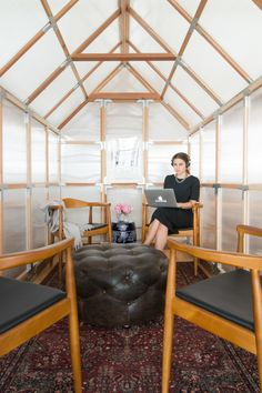 Each of the three  greenhouses has mobile furniture that can accommodate more or less people depending on the size of a meeting (or if you need to push chairs together to take a nap).