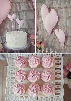 Leche preciosa y las cookies de cumpleaños en rosa y gris