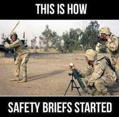 Top 18 Funny Military Memes of Marines and army Hilarious Funny Army Memes, Army Humor, Stupid Memes, Funny Relatable Memes, Stupid Funny, The Funny, Hilarious, Seriously Funny, Stupid Stuff