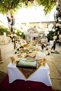 Sofreh-ye Aghd, or marriage table, a Persian wedding tradition - photo by Soul Echo Studios