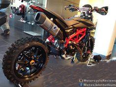 Ducati hypermotard #motorcyclereviews #motorcycles #motorcycle #motorsiklet #motosiklet #motosiklettutkunlari #motosiklettutkusu #bikelife #bikewars #bike #supermoto #motorcyclefans #motogp #motoshow #moto #motorcyclereview #ducati #kawasaki #harley #harleydavidson #Suzuki #honda #yamaha #bmw #ktm #motocross #stunt