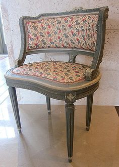 Antique French Painted Louis XVI-Style Vanity Chair French Furniture, Vintage Vanity, Vanity Bench, French Vanity, Vanity Chair, Accent Chairs, Home Decor, Recycled Furniture, Furniture