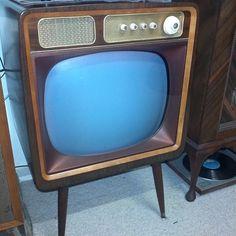#deco #vintage #valve #tv #blackandwhite #precedent