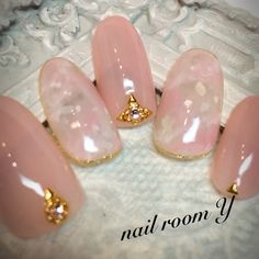 The effect I would love to achieve on a crystal base Crazy Nail Art, Crazy Nails, Love Nails, Fun Nails, Pretty Nails, Bridal Nails, Wedding Nails, Gel Nagel Design, Japanese Nails