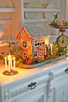 VIBEKE DESIGN: Andre og siste runde : Valg av julebilder-A family tradition in our home; the Angels candle. I'm sure there's a proper name for them? Gingerbread House Designs, Christmas Gingerbread House, Cozy Christmas, Scandinavian Christmas, Beautiful Christmas, All Things Christmas, Vintage Christmas, Christmas Holidays, Christmas Decorations