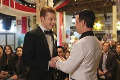 Photo of Ian and Mickey's Wedding on Shameless Had Every Gallavich Fan in Tears Shameless Mickey And Ian, Shameless Tv Show, Ian And Mickey, Shameless Scenes, Cameron Monaghan, Music Tv, Best Couple, Best Tv, Best Funny Pictures