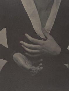 Alfred Stieglitz, Georgia O'Keeffe - Hands, 1917