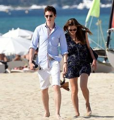 Addicted to Eddie: Eddie and Hannah stroll on the beach in St.Tropez this weekend