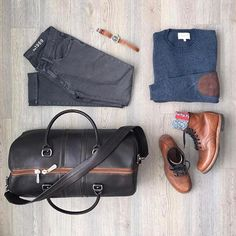 Follow @inisikpe for daily style #suitgrid to be featured ________________________________________ #SuitGrid by @mitchyasui ________________________________________ Tap For Brands #inisikpe Sweater: @frankandoak Denim: @gap Shoes: @redwingheritage Watch: @timex Bag: @martindingman1990