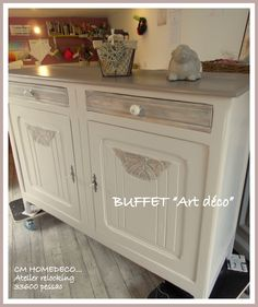 grand buffet Art déco en noyer relooké tradition campagne chic patine taupe et… Upcycled Furniture, Painted Furniture, Home Staging, Upholstered Chairs, Sweet Home, Shabby Chic, Cabinet, Recherche Google, Design