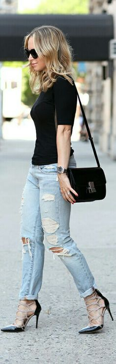 Distressed Denim with Fancy Heels and Simple Black Tee. Fashion By Brooklyn Blonde Denim Fashion, Fashion Pants, Fashion Outfits, Womens Fashion, Classy Outfits, Casual Outfits, Street Chic, Street Style, Relaxed Outfit
