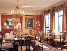 The dining room has two tables: a circa-1800 English George III three-pedestal table with lion paws for large gatherings and a circa-1820 Regency satinwood breakfast table with rosewood crossbanding that the collector uses every day. Severin Roesen's (1815–1872) 1850 Still Life With Flowers, one of two in the room, is illuminated by lights hidden in the spandrels of the ceiling moldings.