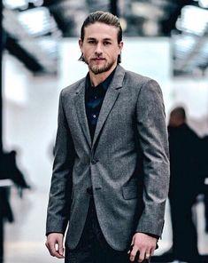 Jamie Johnson, Good Looking Actors, Charlie Hunnam Soa, Hot Actors, Hollywood Star, Video New, Actor Model, Gorgeous Men, Sexy Men