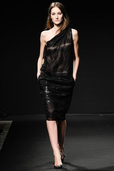 No. 21 Fall 2014 Ready-to-Wear Fashion Show - Josephine Le Tutour
