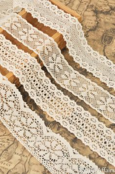 WRAP AROUND GLASS JARS AS CANDLE HOLDERS (USE TO DRESS HOUSE) CURTAIN TIE-BACKS TOO? 1 M Vintage Cotton Cream Crochet Scalloped Pretty Floral Lace Trim | eBay £1.79 for 1m length EBAY -