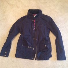 NWOT Roxy women's coat Never worn. Size medium, could fit a small. Perfect condition. Has good that comes out of collar with zipper. Paid $60. Roxy Jackets & Coats
