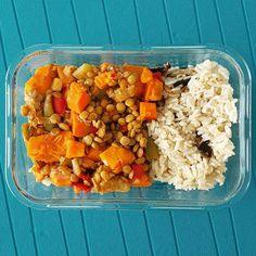 Lentilhas estufadas com cenoura batata doce pimento e feijão verde acompanhadas de arrozinho de cogumelos